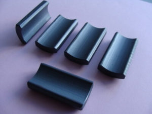 Magnetic ceramic material